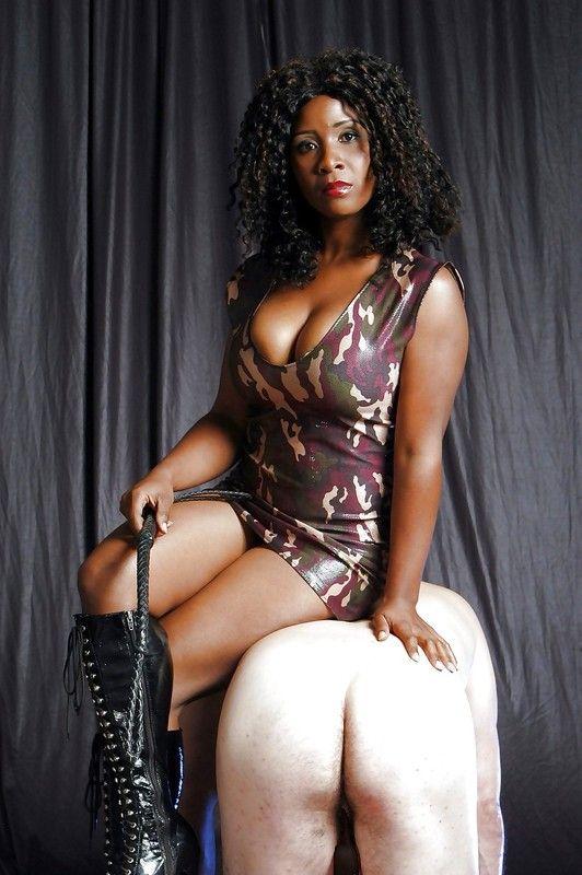 maitresse dominatrice nancy black pute