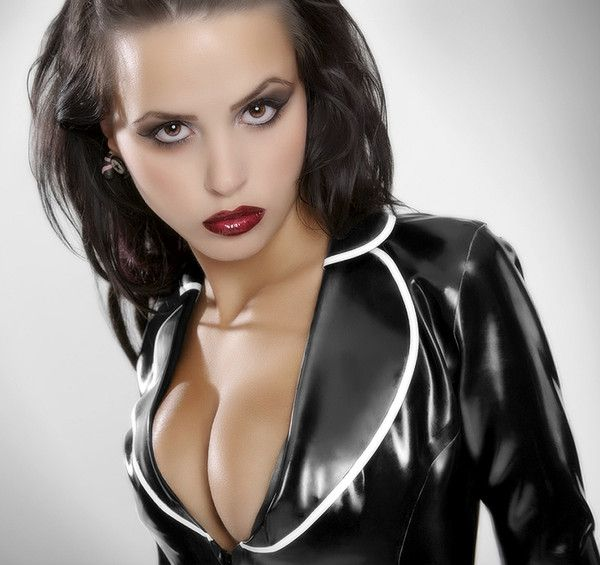 gros seins photos maitresse dominatrice